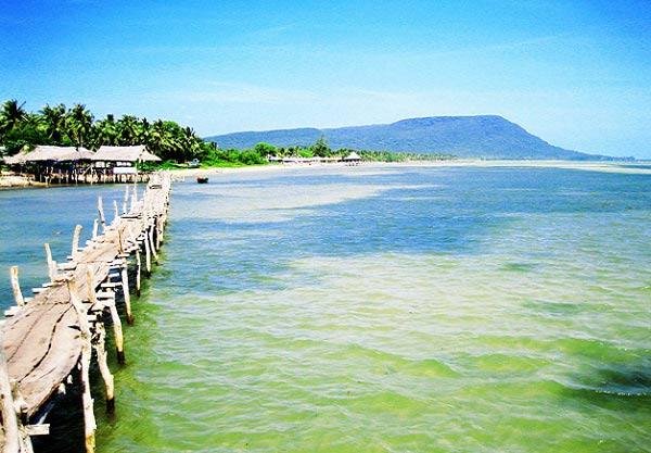 Vẻ đẹp của làng chài cổ Hàm Ninh