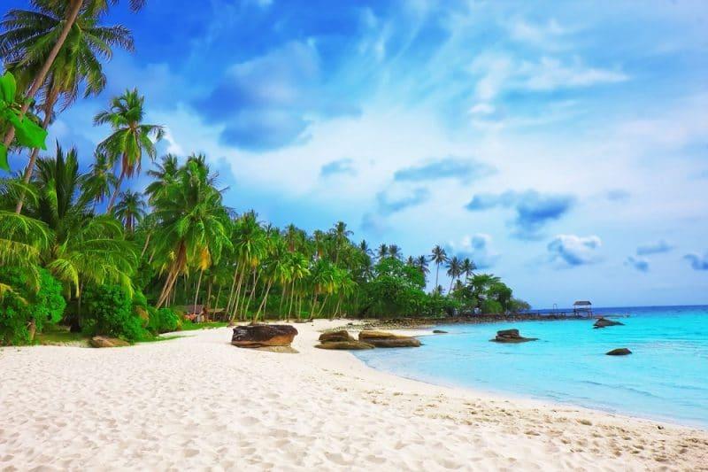 Bãi Biển. Trên đảo Nam Du