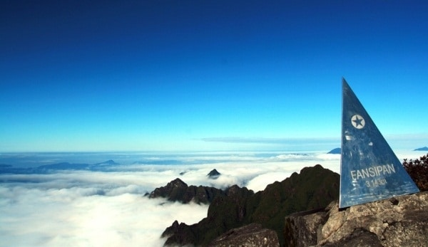 Chinh phục nóc nhà Đông Dương- đỉnh Fansifan hùng vĩ