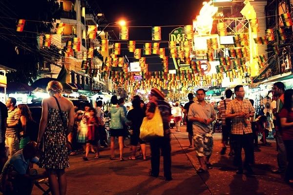 Không gian khu vui chơi giải trí về đêm của Pattaya tại Thái Lan