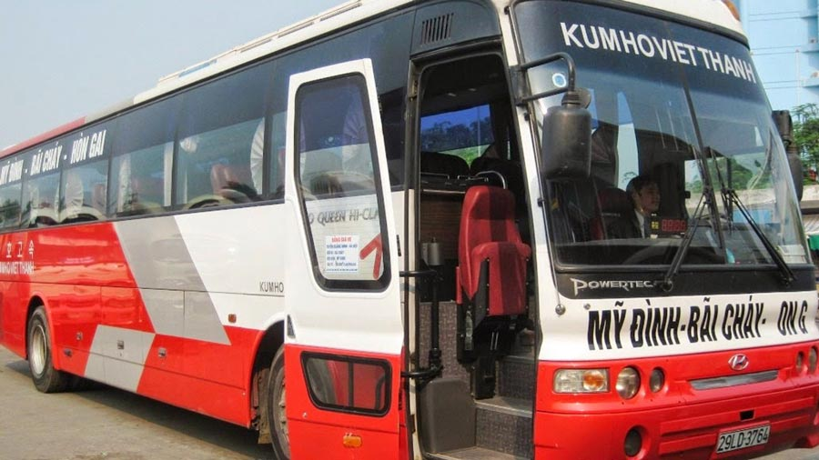 Xe khách du lịch Hạ Long