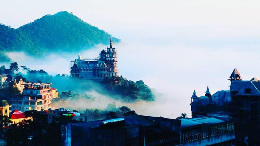 Khung cảnh Tam Đảo mờ sương hút hồn khách du lịch