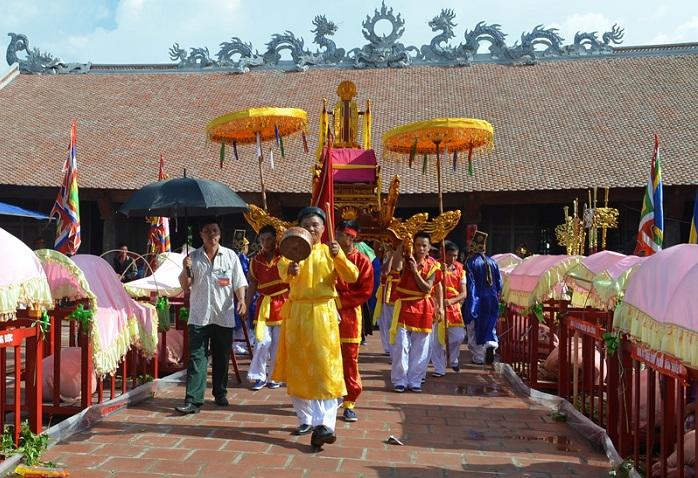 Lễ hội đình Trà Cổ diễn ra vào đầu tháng 6 âm lịch