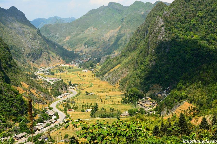 Thung lũng Sủng Là yên bình và thơ mộng