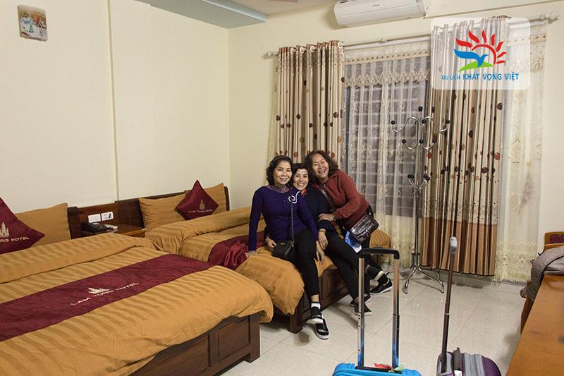 Phòng nghỉ tại khách sạn Tùng Lâm - Đồng Văn
