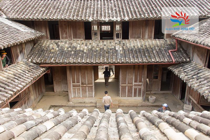 Dinh thự họ Vương - Một trong những điểm đến của tour Hà Giang 3 ngày