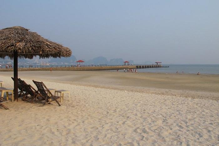 Bãi biển nhân tạo khiến bao du khách phải khen ngợi