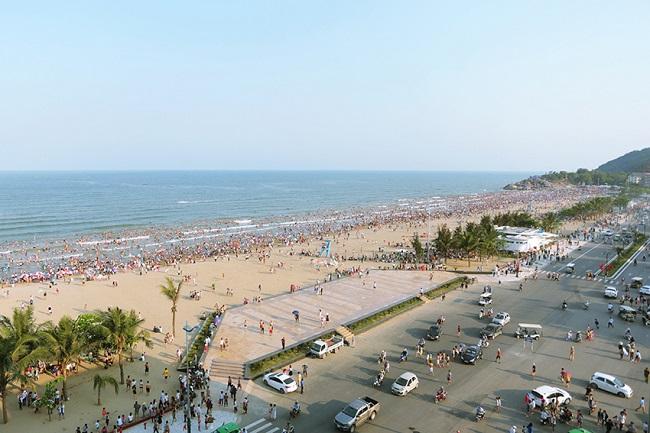 Biển Sầm Sơn mang vẻ đẹp khó quên với mỗi du khách