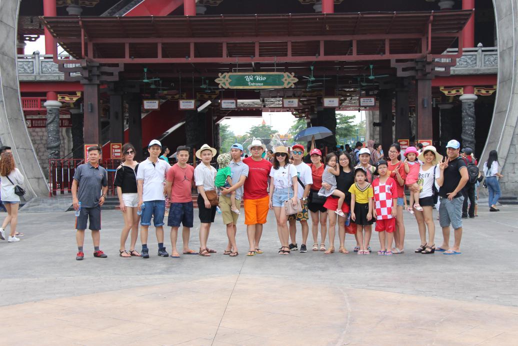 Đoàn ô tô Nissan Việt Nam du lịch Hạ Long