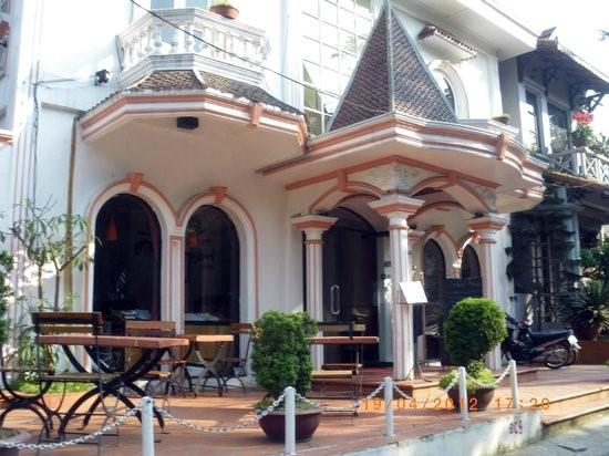 Phong cách Pháp mang đến du khách sự hài lòng trong lúc ăn uống ở nhà hàng Sapa