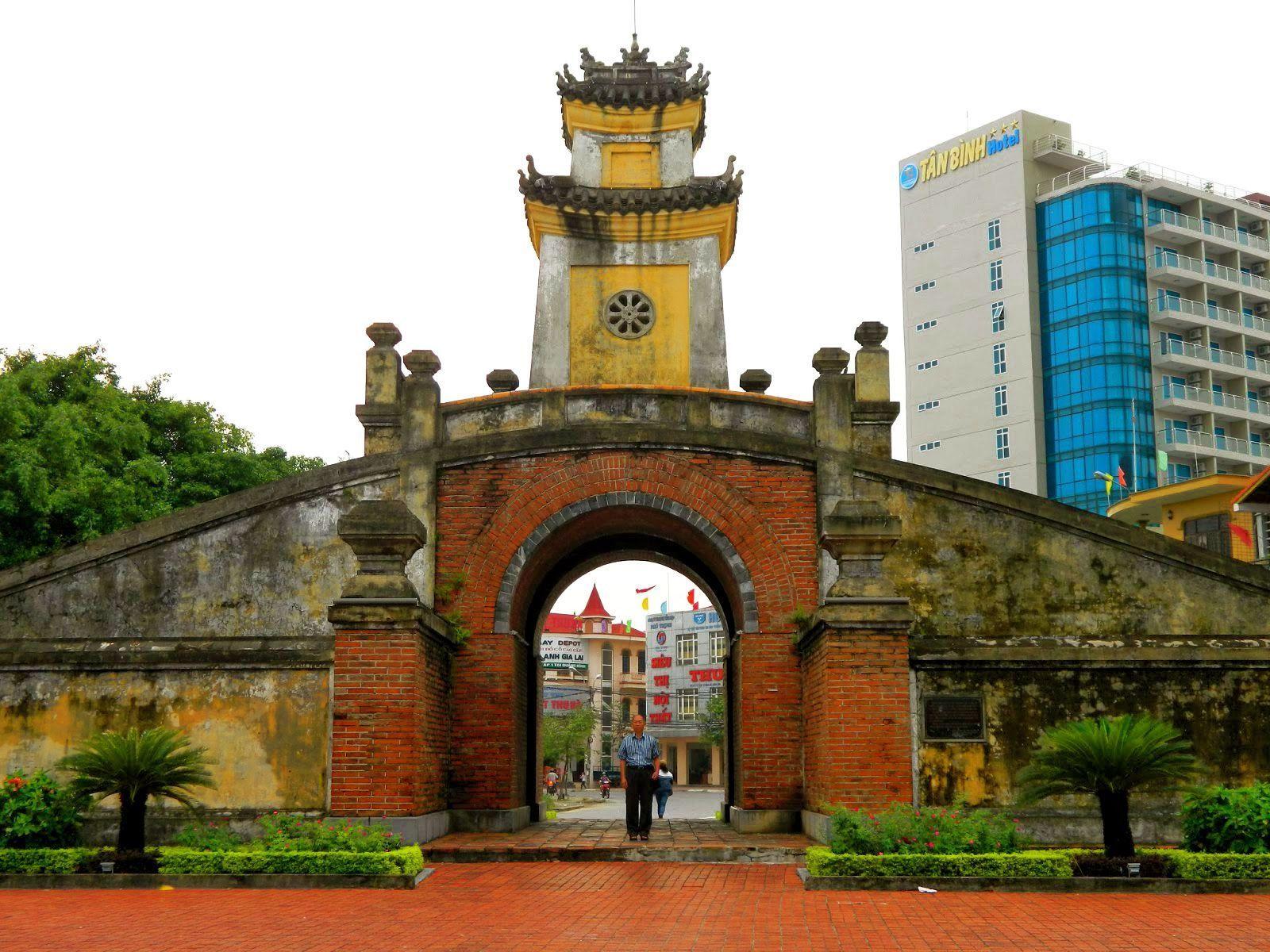 Điểm đến đầu tiên khi đi du lịch Quảng Bình nên đi Quảng Bình Quan