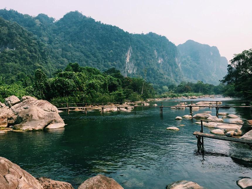 Du lịch Quảng Bình suối nước Mọoc để khám phá và trải nghiệm