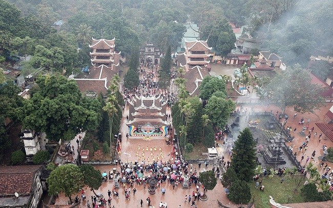 Toàn cảnh khu di tích Chùa Hương