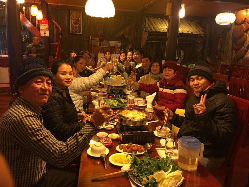 Đại gia đình chị Thúy – Hồ Chí Minh – đi tour miền Bắc