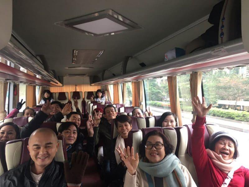 Đoàn chị Thúy Hồ Chí Minh bắt đầu hành trình chiêm bái Yên Tử
