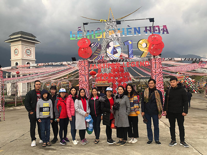 Đại gia đình chị Vân du lịch Sapa
