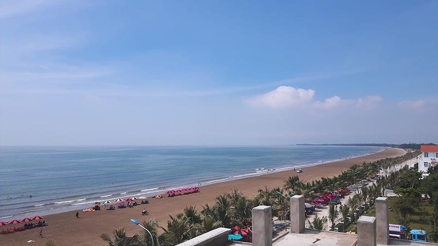 Biển Hải Tiến một ngày trời quang mây tạnh