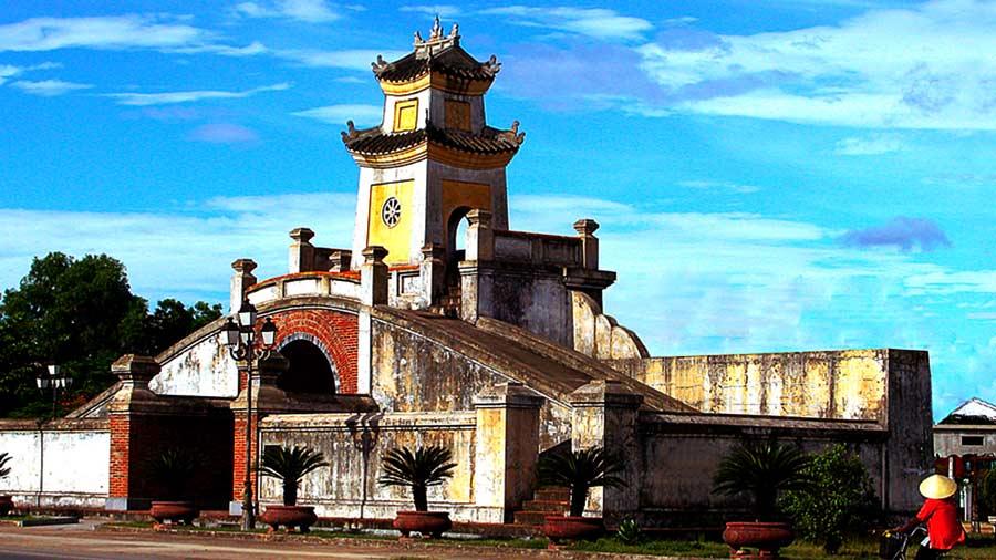 Quảng Bình Quan - Công trình văn hóa lịch sử độc đáo