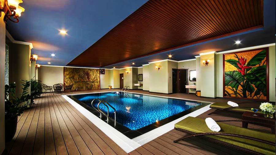 Bể bơi bốn mùa tuyệt đẹp tại khách sạn