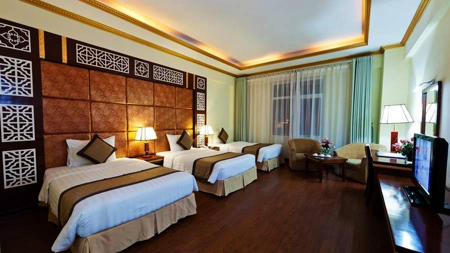 Phòng khách sạn với không gian ấm cúng