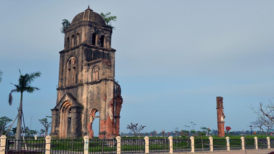 Nhà thờ Tam Tòa Quảng Bình linh thiêng