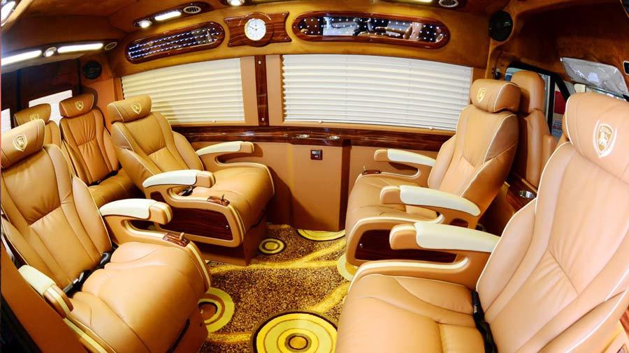Nội thất xe limousine Hà Nội - Sapa sang trọng
