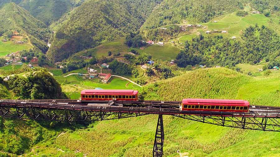 Tàu hỏa leo núi Mường Hoa hiện đại, tiện lợi