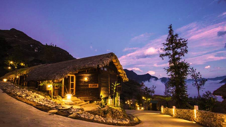 Valley View Bungalow lung linh về đêm