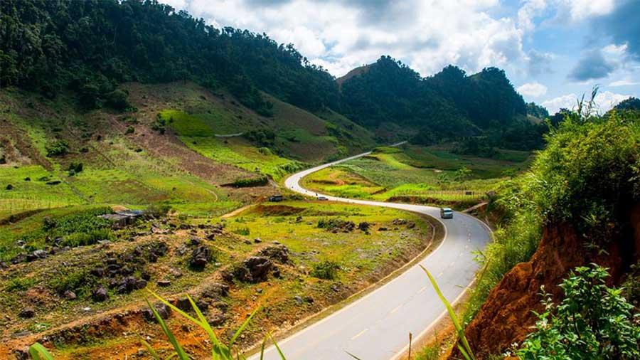 Đường đi đến Mộc Châu tươi đẹp