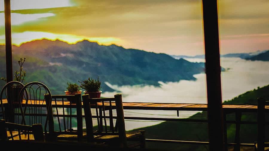Nghỉ chân tại Ngỗng Hostel để chiêm ngưỡng khung cảnh tuyệt đẹp tại Tà Xùa