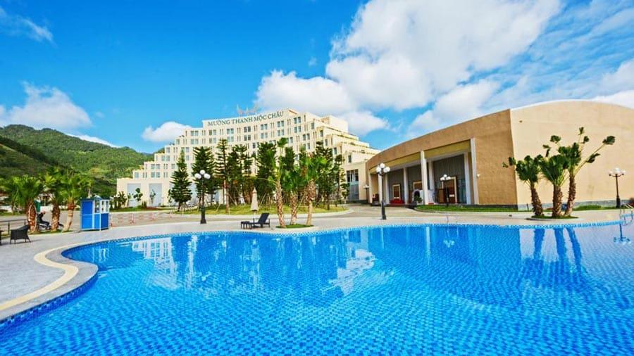 Swimming Pool - Bể bơi ngoài trời độc đáo
