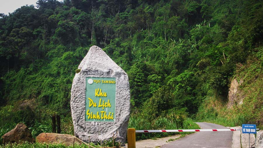 Đường vào khu du lịch sinh thái Vườn Quốc Gia Tam Đảo