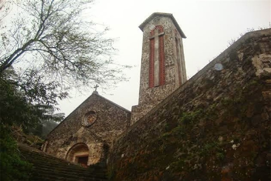 Kiến trúc nhà thờ đá