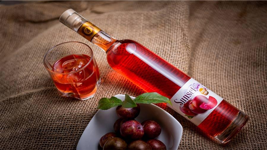 Rượu mận - đặc sản từ mận Mộc Châu