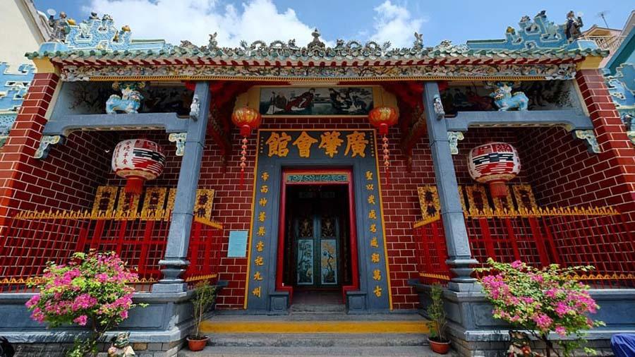 Chùa Ông Cần Thơ - Ngôi chùa linh thiêng với lối kiến trúc độc đáo
