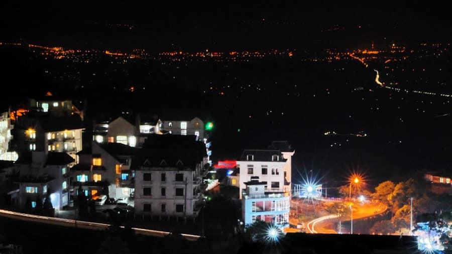 Chợ đêm Tam Đảo nằm ở chính trung tâm thị trấn Tam Đảo