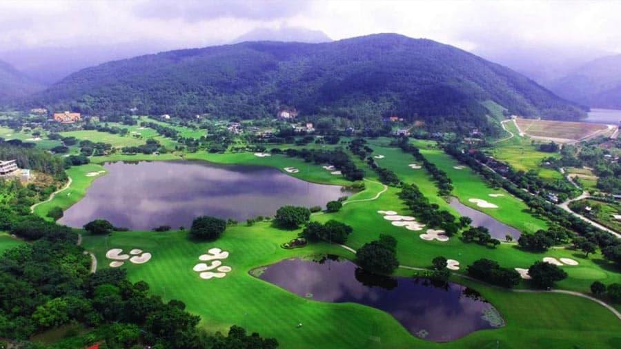 Sân golf Tam Đảo nằm tại chân núi Tam Đảo - huyện Tam Đảo - tỉnh Vĩnh Phúc