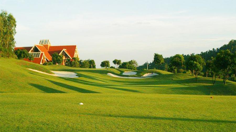 Thiết kế kết hợp sân golf đẹp mắt, sang trọng tại Tam Đảo Golf and Resort