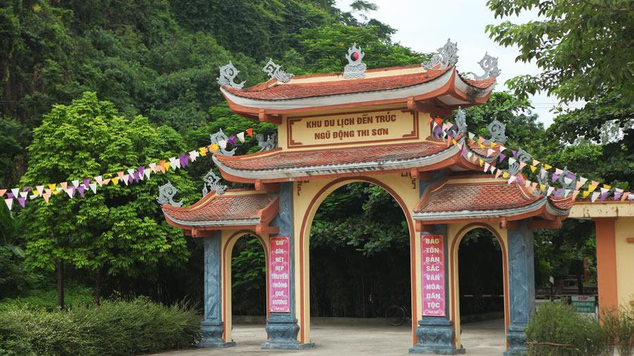 Khu di tích Ngũ Động Sơn - Đền Trúc
