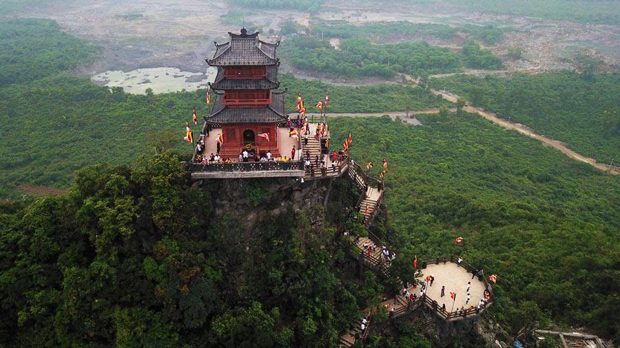 Núi Ngọc nhìn từ trên cao
