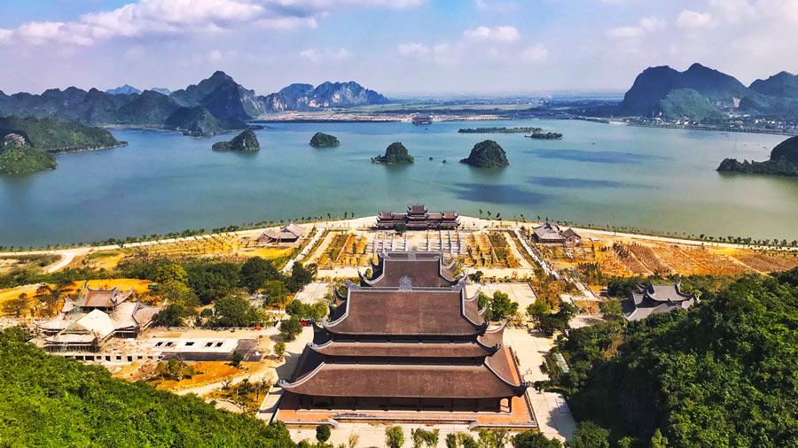 Toàn cảnh chùa Tam Chúc - Hà Nam tuyệt đẹp