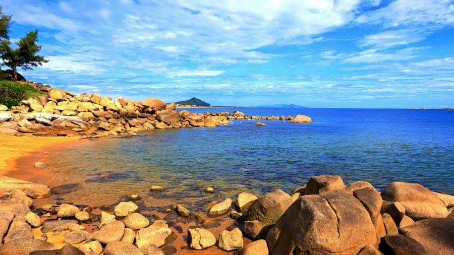 Thời điểm lý tưởng nhất mà du lịch đến bãi biển Thiên Cầm là từ tháng 4 - tháng 6