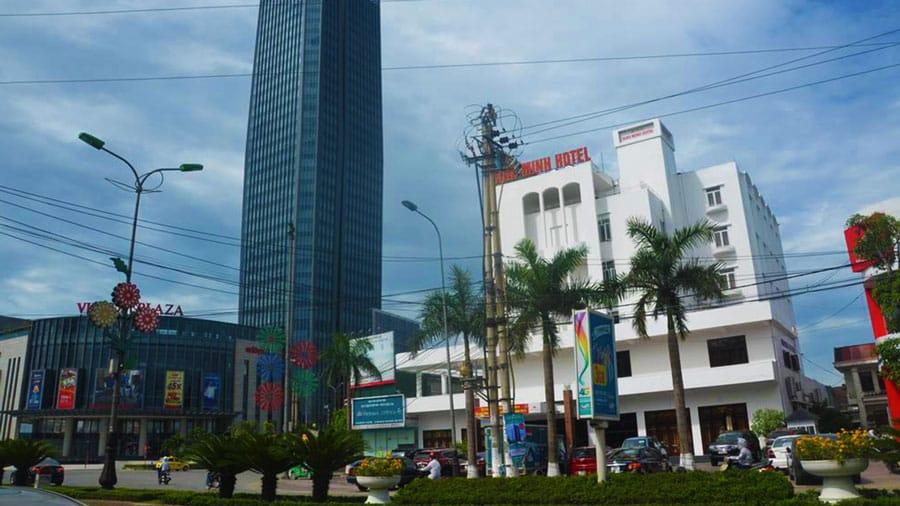 Nhà nghỉ Bình Minh có vị trí cách biển Thiên Cầm 500 m thuận lợi cho việc di chuyển đến khu du lịch Thiên Cầm nhanh chóng, đơn giản hơn