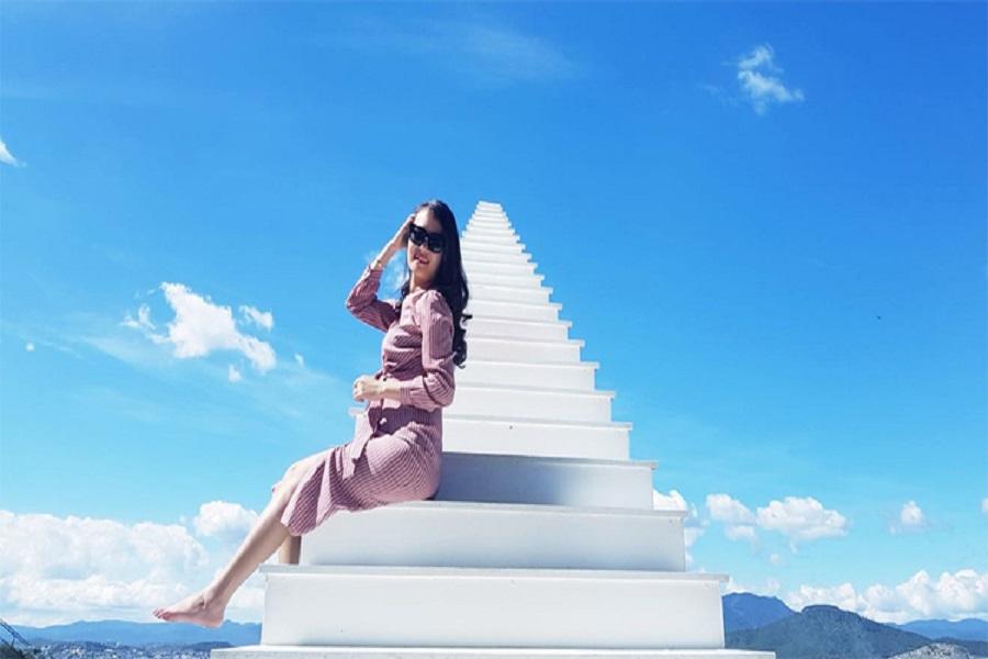 Cầu thang vô cực tại Tam Đảo