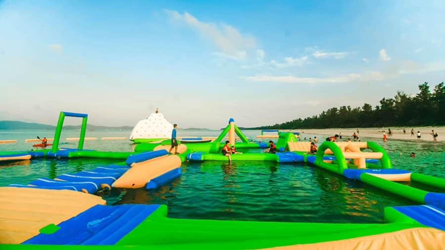 Cô Tô Park - Công viên nước bơm hơi trên biển lớn nhất Việt Nam