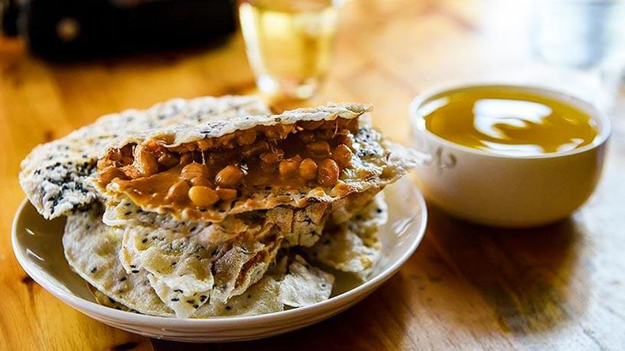Bánh cu đơ - Món quà không thể thiếu khi đi du lịch biển Thiên Cầm
