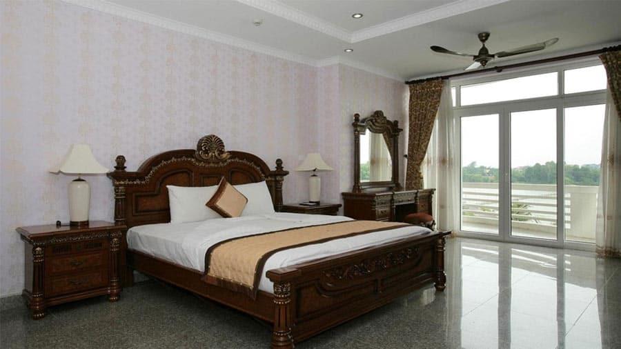 Phòng Vip được trang bị đầy đủ thiết bị hiện đại tiện nghi, nội thất cao cấp sang trọng