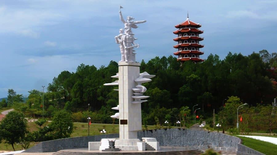 Ngã ba Đồng Lộc - Nơi an nghỉ của 10 nữ thanh niên xung phong anh dũng