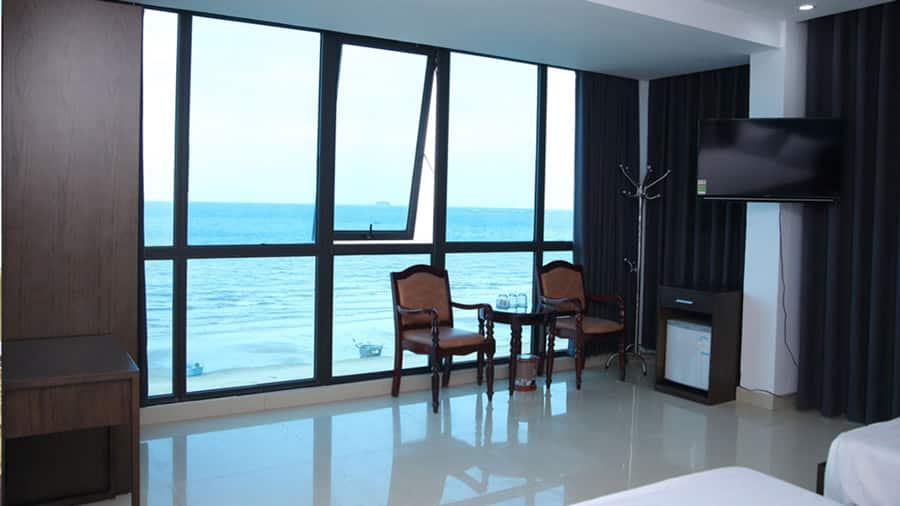 Phòng Duluxe sở hữu 2 mặt hướng biển vô cùng ấn tượng