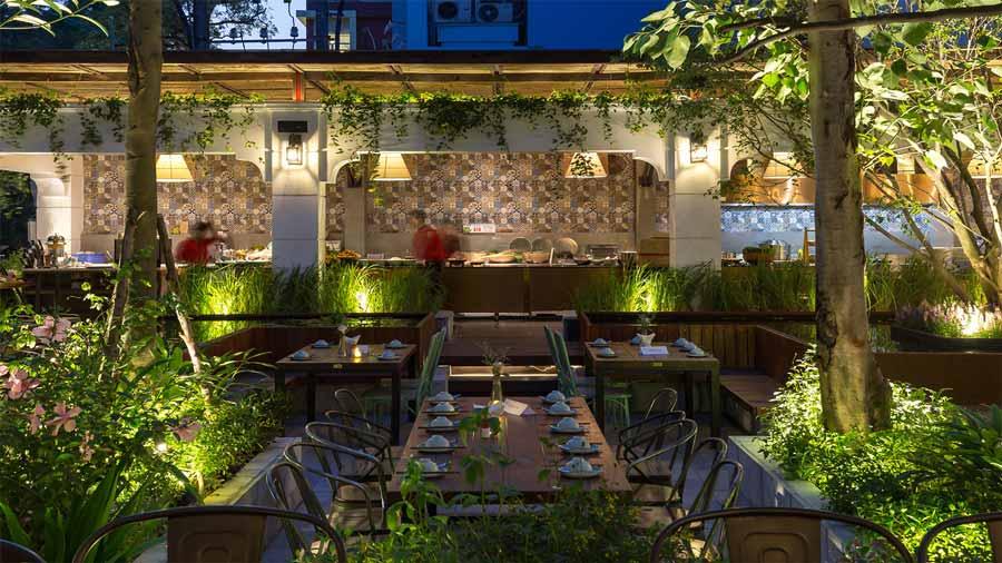 Nhà hàng khách sạn được thiết kế theo lối kiến trúc nhà vườn độc đáo